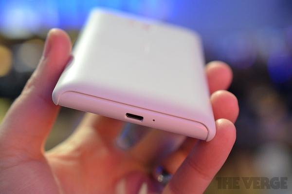"""Lumia 520 và 720: Giá quá rẻ mà lại """"chất"""" 18"""