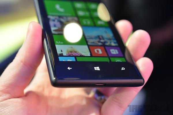 """Lumia 520 và 720: Giá quá rẻ mà lại """"chất"""" 19"""