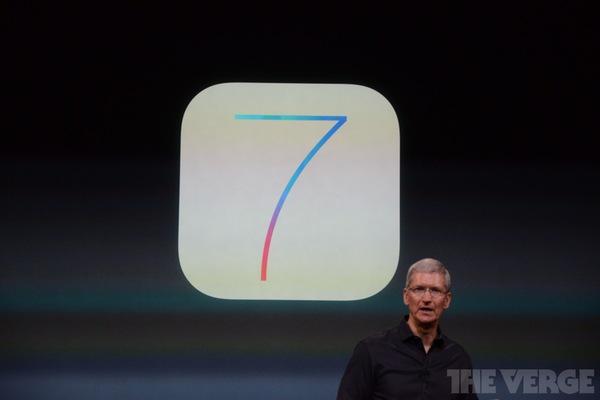 """Toàn cảnh buổi ra mắt """"sản phẩm hot nhất năm"""" iPhone 5s và iPhone 5c 13"""
