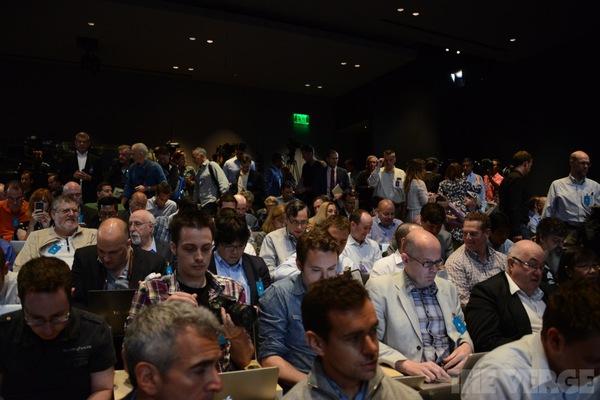 """Toàn cảnh buổi ra mắt """"sản phẩm hot nhất năm"""" iPhone 5s và iPhone 5c 3"""