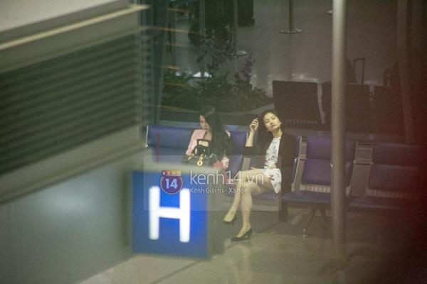 Ngọc Trinh diện quần siêu ngắn nổi bật ở sân bay  10