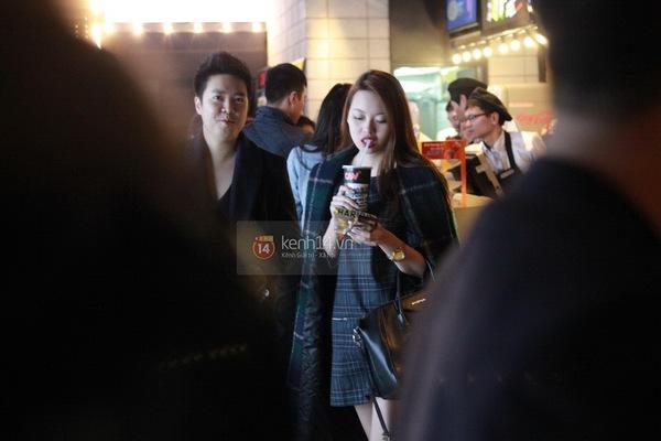 Hậu chia tay, bắt gặp Lê Hiếu đi xem phim cùng gái lạ 7