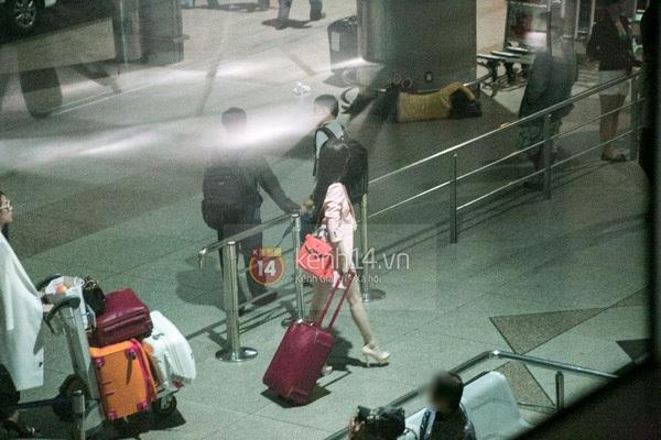 Ngọc Trinh diện quần siêu ngắn nổi bật ở sân bay  9