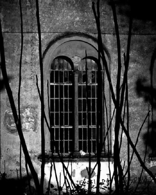 Thăm nhà thương điên bỏ hoang thời chiến tranh 9