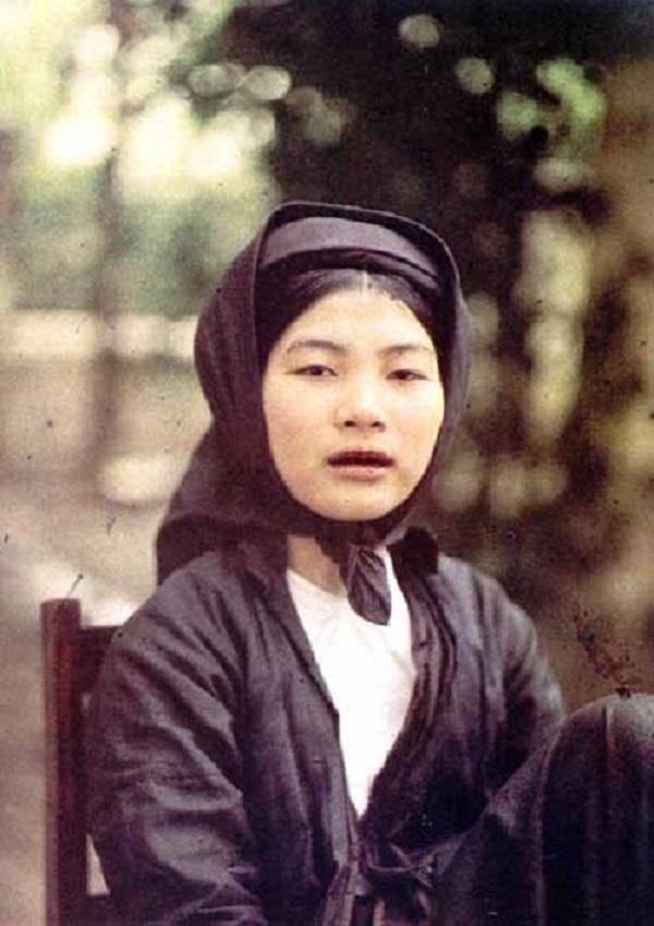 Vẻ đẹp phụ nữ Việt những năm đầu thế kỷ 20 11