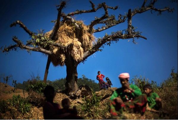 Tục lệ xua đuổi phụ nữ khi đến kỳ kinh nguyệt ở Nepal 6