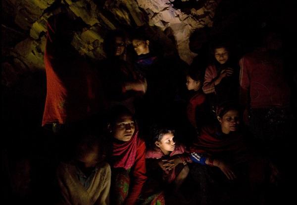Tục lệ xua đuổi phụ nữ khi đến kỳ kinh nguyệt ở Nepal 5