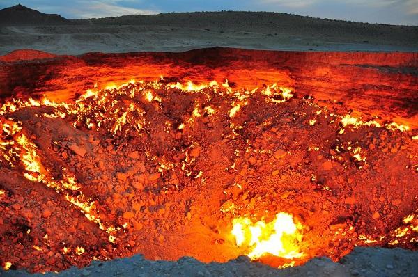 """Đi tìm những """"cổng địa ngục"""" có thật trên Trái đất 8"""