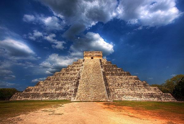 """Thế giới ngầm và tục hiến tế """"lạnh gáy"""" của người Maya 3"""