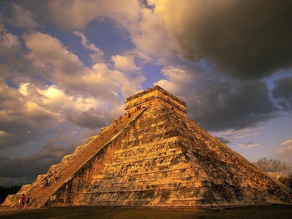 """Thế giới ngầm và tục hiến tế """"lạnh gáy"""" của người Maya 1"""