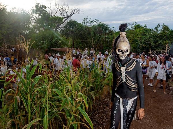 """Thế giới ngầm và tục hiến tế """"lạnh gáy"""" của người Maya 11"""