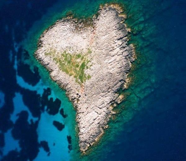 Du lịch tới những hòn đảo hình trái tim lãng mạn 1