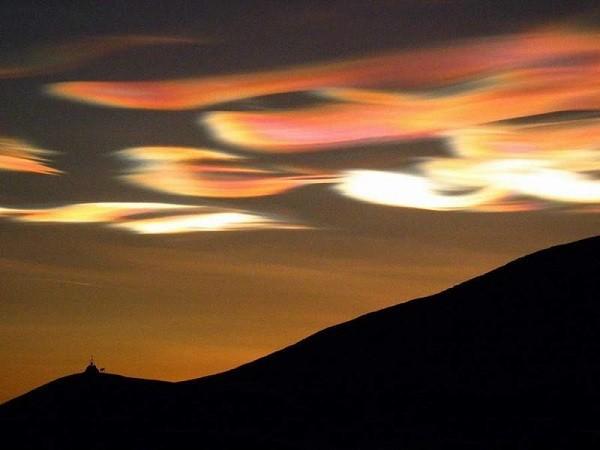 Điềm báo đáng sợ của những đám mây kỳ lạ 17