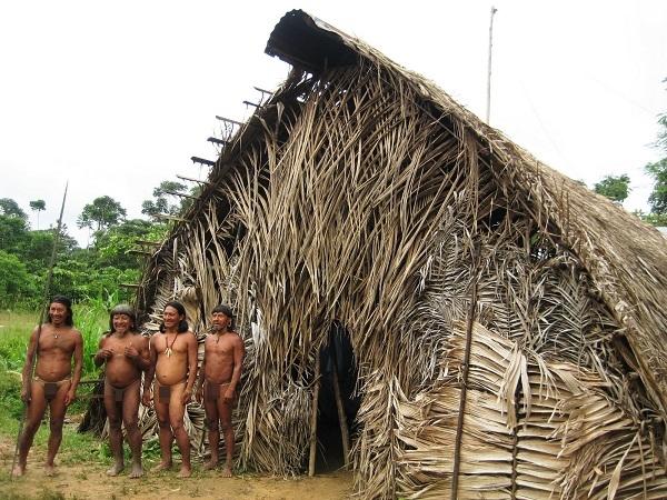 """Hình ảnh chân thực về bộ tộc """"mặc bikini"""" giống Adam và Eva 8"""