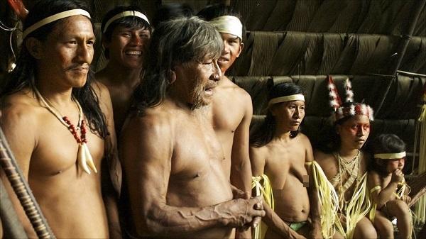 """Hình ảnh chân thực về bộ tộc """"mặc bikini"""" giống Adam và Eva 9"""