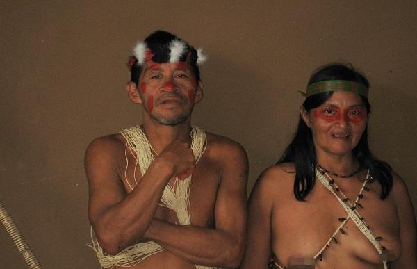 """Hình ảnh chân thực về bộ tộc """"mặc bikini"""" giống Adam và Eva 6"""