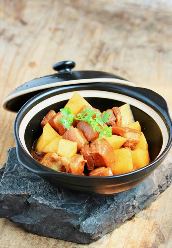 Ngày lạnh làm thịt kho khoai tây ăn với cơm nóng cực ngon 9
