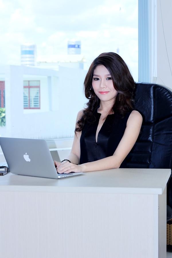 Tuệ Nghi - nữ giám đốc 21 tuổi xinh đẹp và bản lĩnh 10