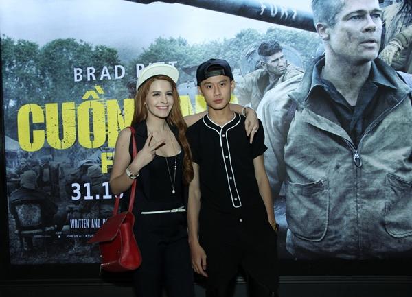 """Andrea vui vẻ khoác vai trai trẻ đi xem Brad Pitt """"Cuồng nộ"""" 1"""
