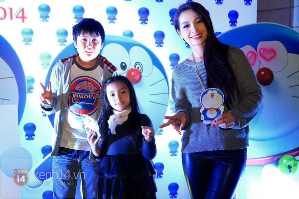 """Thùy Anh (Bộ tứ 10A8) xinh đẹp dự họp báo """"Doraemon"""" 11"""