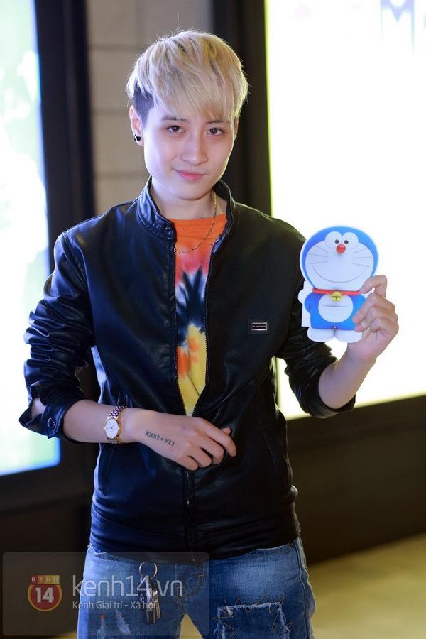 """Thùy Anh (Bộ tứ 10A8) xinh đẹp dự họp báo """"Doraemon"""" 5"""