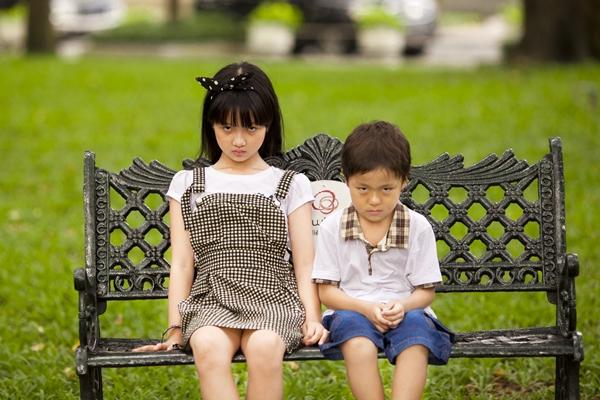 """Hai """"em bé đáng sợ nhất Việt Nam"""" cực đáng... yêu ngoài đời 5"""