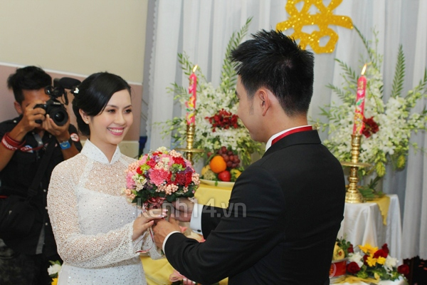 Những đám cưới hoành tráng của các hot girl Việt 97