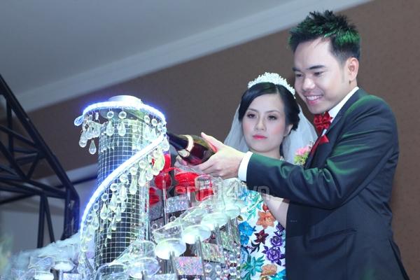 Những đám cưới hoành tráng của các hot girl Việt 118