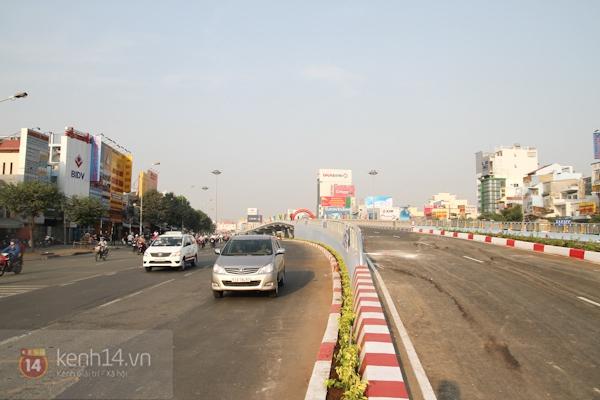 Toàn cảnh lễ thông xe cầu vượt thép đầu tiên tại TPHCM 18