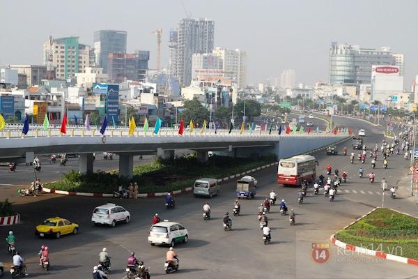 Toàn cảnh lễ thông xe cầu vượt thép đầu tiên tại TPHCM 24