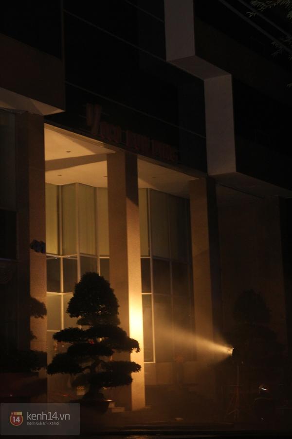 Huy động 6 xe cứu hỏa để chữa cháy ở building giữa quận 1 4