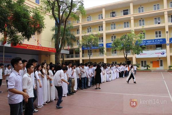 400 học sinh trường Lomonoxop cùng nhau chụp bộ ảnh cuối cùng 4