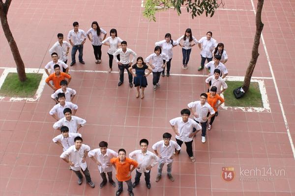 400 học sinh trường Lomonoxop cùng nhau chụp bộ ảnh cuối cùng 9