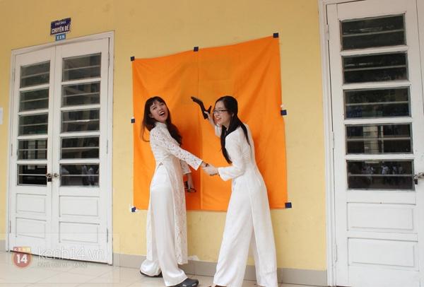 400 học sinh trường Lomonoxop cùng nhau chụp bộ ảnh cuối cùng 10