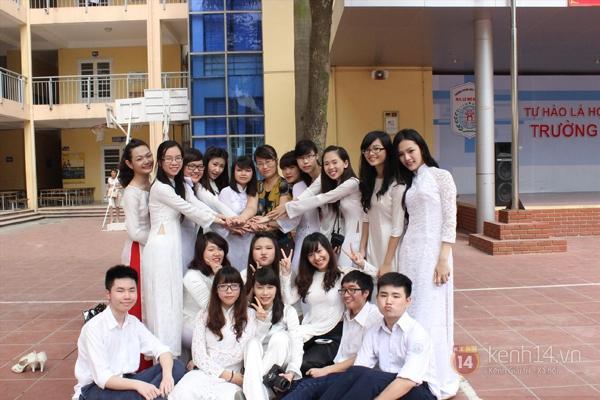 400 học sinh trường Lomonoxop cùng nhau chụp bộ ảnh cuối cùng 13