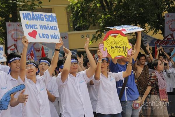 Cả trường ĐH Quốc gia Hà Nội cùng cổ vũ cho nhà leo núi Olympia 1