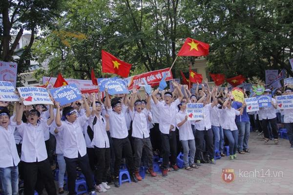 Cả trường ĐH Quốc gia Hà Nội cùng cổ vũ cho nhà leo núi Olympia 7