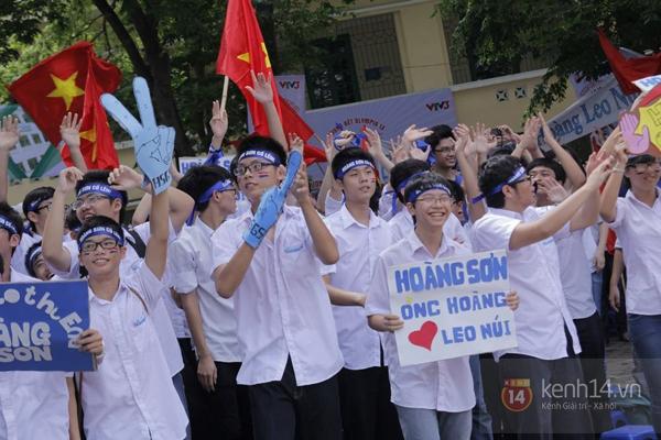 Cả trường ĐH Quốc gia Hà Nội cùng cổ vũ cho nhà leo núi Olympia 8