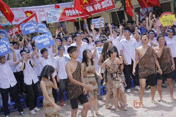 Cả trường ĐH Quốc gia Hà Nội cùng cổ vũ cho nhà leo núi Olympia 13