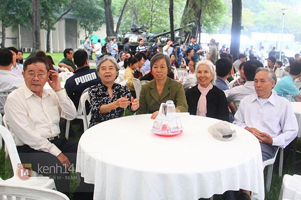 TP.HCM: Không khí trang nghiêm và đầy cảm động trong lễ viếng Đại tướng 15