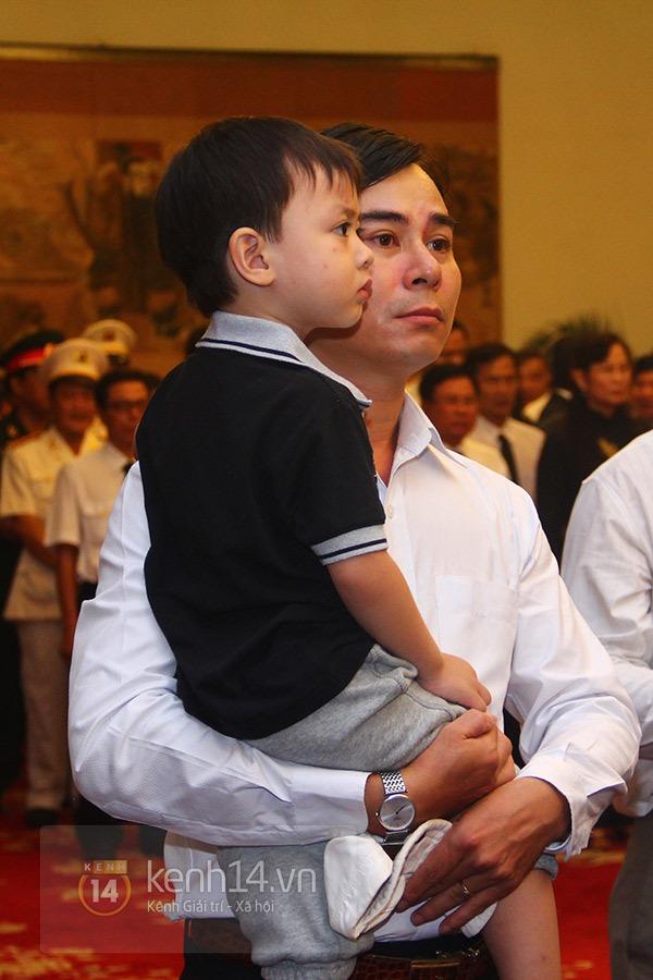 TP.HCM: Không khí trang nghiêm và đầy cảm động trong lễ viếng Đại tướng 32