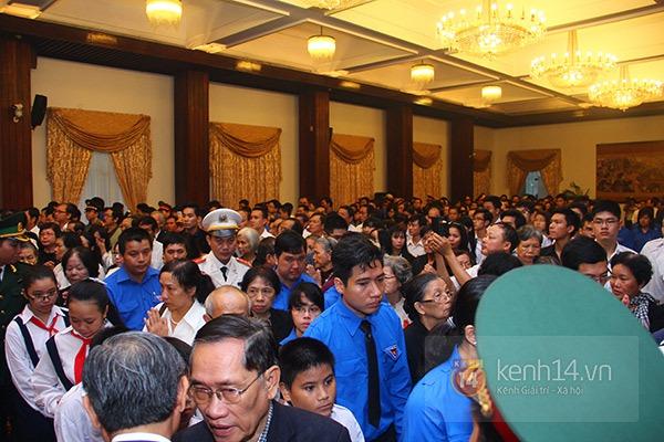 TP.HCM: Không khí trang nghiêm và đầy cảm động trong lễ viếng Đại tướng 36