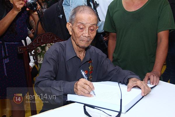 TP.HCM: Không khí trang nghiêm và đầy cảm động trong lễ viếng Đại tướng 40