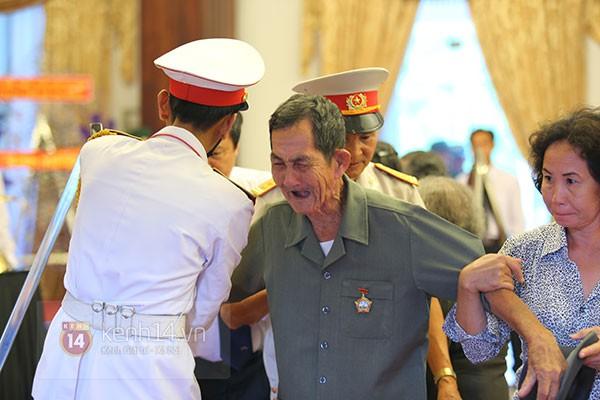 TP.HCM: Không khí trang nghiêm và đầy cảm động trong lễ viếng Đại tướng 51