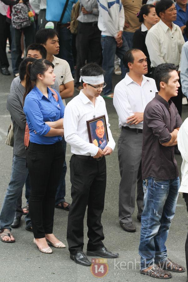 TP.HCM: Không khí trang nghiêm và đầy cảm động trong lễ viếng Đại tướng 60