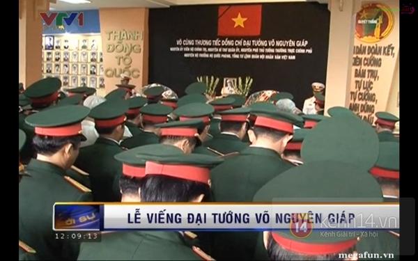 Hết giờ Lễ viếng Quốc tang, nhiều người dân vẫn xếp hàng vào viếng Đại tướng 154
