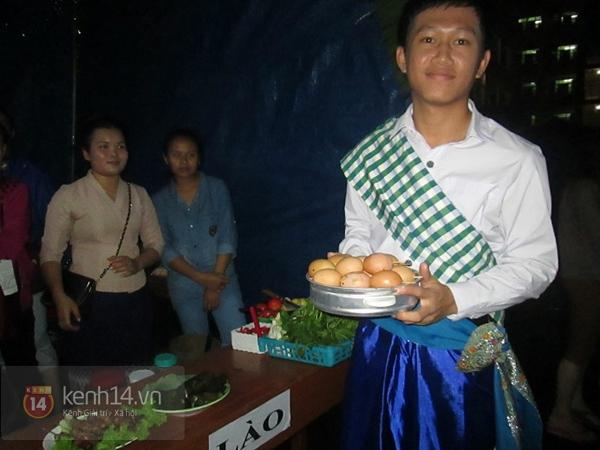 Buổi giao lưu văn hóa giữa trời mưa bão của sinh viên Đà Nẵng 12