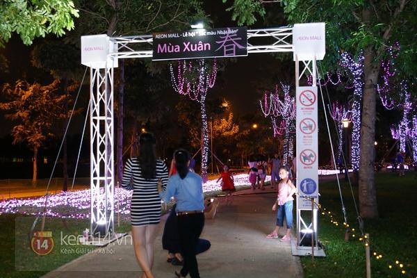 Sài Gòn: Ngỡ ngàng ngắm công viên sáng rực trong đêm với nửa triệu bóng đèn Led 8