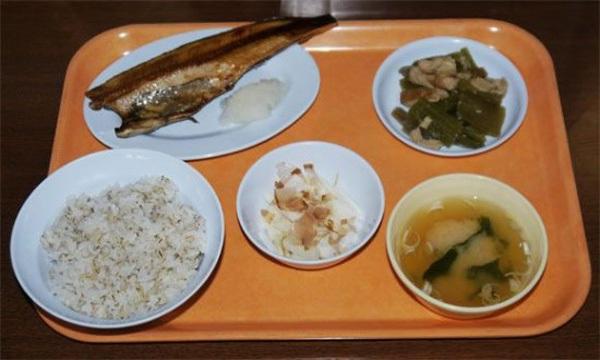 Thưởng thức... cơm tù tại nhà hàng siêu độc đáo ở Nhật Bản 4