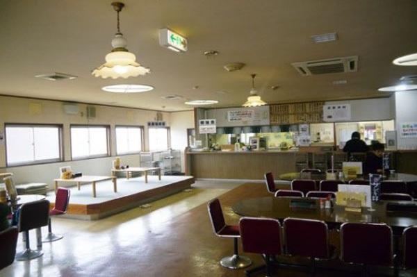 Thưởng thức... cơm tù tại nhà hàng siêu độc đáo ở Nhật Bản 2